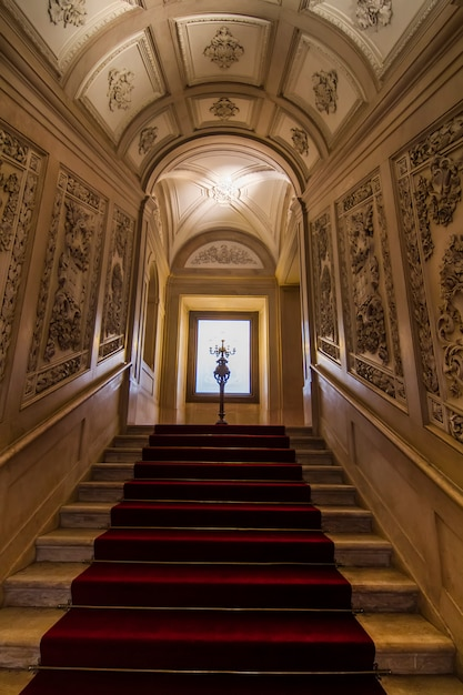 Binnenlandse mening van één van de mooie die ruimten van ajuda-paleis in lissabon, portugal wordt gevestigd. Premium Foto