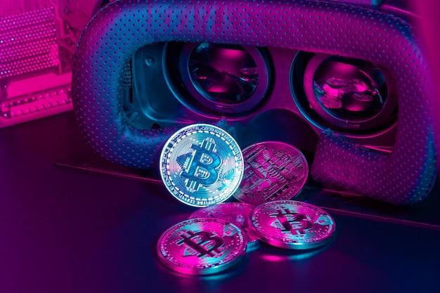 Bitcoin in vr-apparaat voor virtuele realiteit Premium Foto