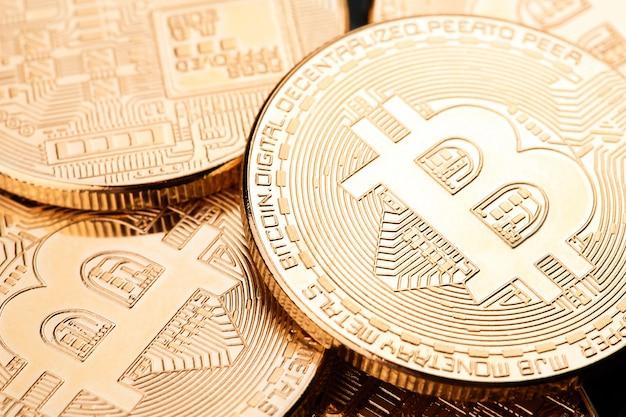 Bitcoins en virtueel geld. Premium Foto