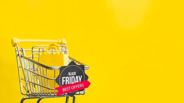Black friday biedt beste inscriptie op gele achtergrond Gratis Foto