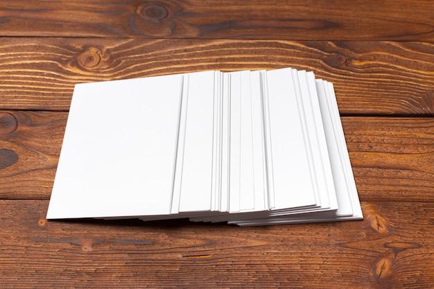 Blanco wit papier mock-up Premium Foto