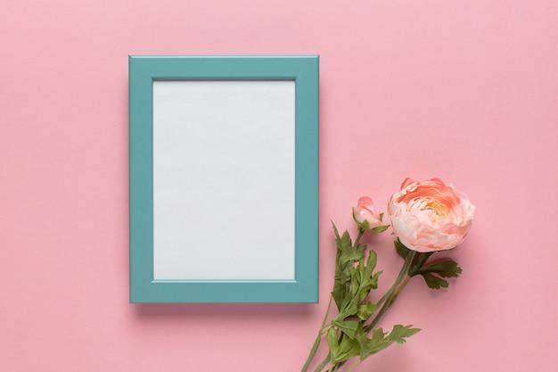 Blauw frame met bloem s Gratis Foto