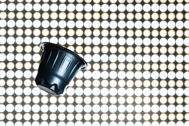 Blauwe espressocapsule, koffiepads Premium Foto