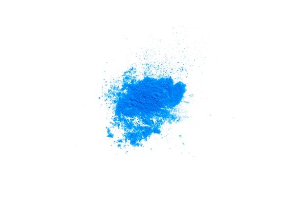 Blauwe make-up poeder textuur geïsoleerd op een witte achtergrond. Premium Foto