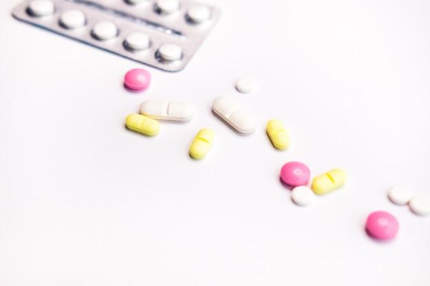 Blisterverpakking en pillen. Premium Foto