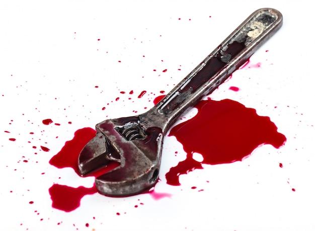 Bloed en moersleutelgereedschap Gratis Foto