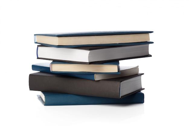 Boeken op wit worden geïsoleerd Premium Foto