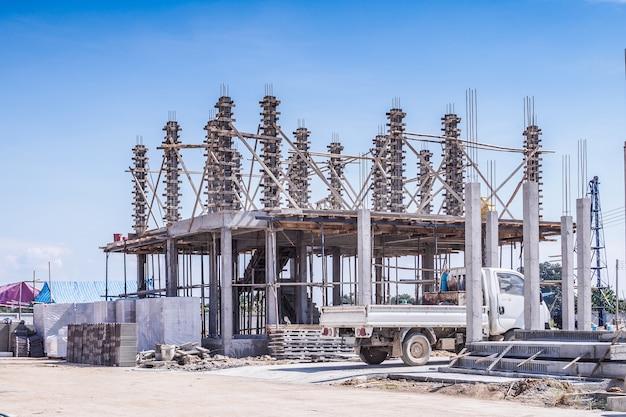 Bouw residentiële nieuw huis in uitvoering op de bouwplaats Premium Foto