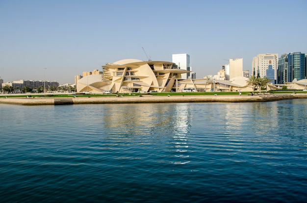 Bouwsite qatar national museum in cornish Premium Foto
