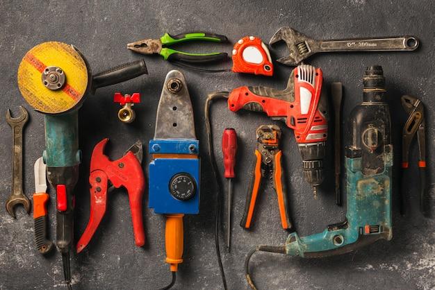 Bouwvakker tools, bovenaanzicht. verbouw concept Premium Foto