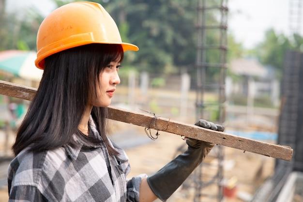 Bouwvakkers bouwen nieuwe huizen Gratis Foto
