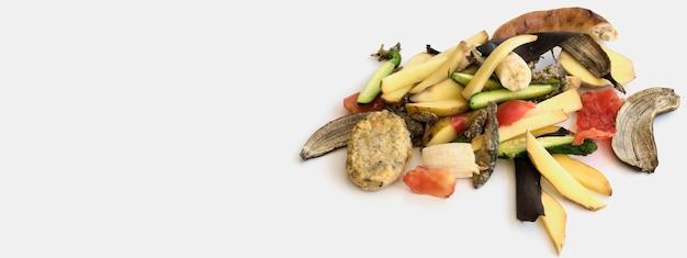 Bovenaanzicht afval met biologische groenten Gratis Foto