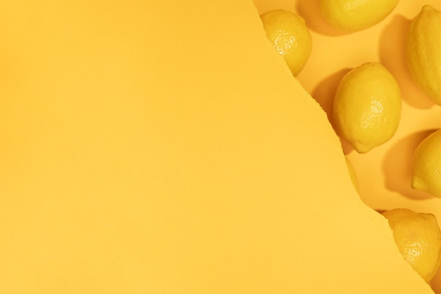 Bovenaanzicht bos van citroenen met kopie ruimte Gratis Foto