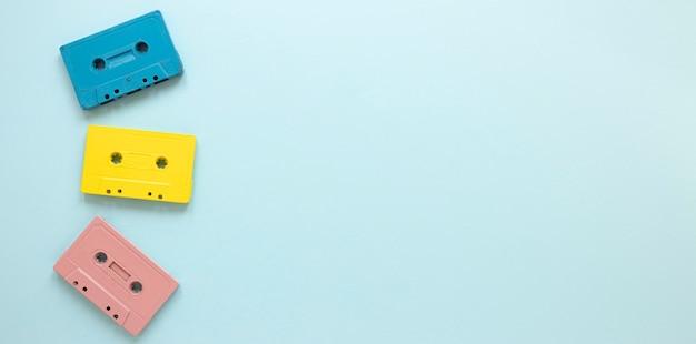 Bovenaanzicht cassettes frame met kopie-ruimte Premium Foto