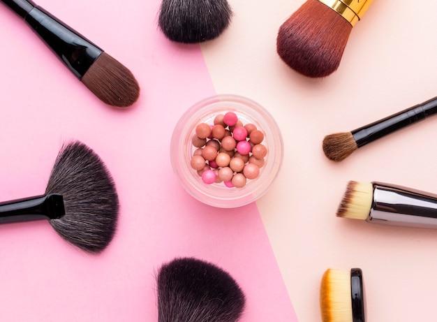 Bovenaanzicht collectie make-up borstels Gratis Foto