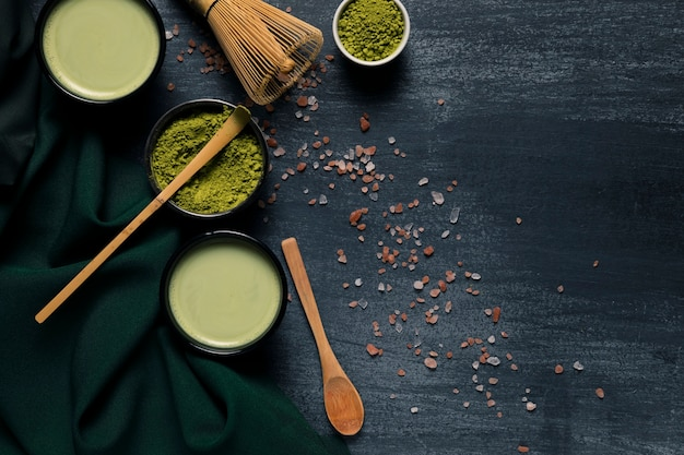 Bovenaanzicht collectie van traditionele groene thee Gratis Foto