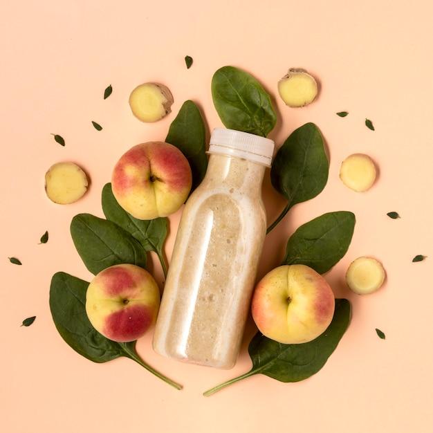 Bovenaanzicht detoxdrank met nectarines Gratis Foto