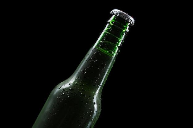 Bovenaanzicht fles bier Gratis Foto