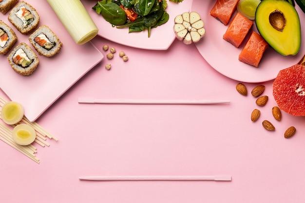Bovenaanzicht flexitarisch dieet met vis en fruit Gratis Foto