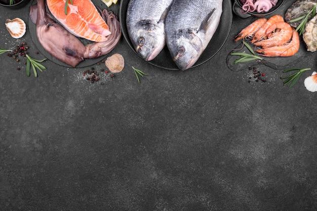 Bovenaanzicht frame van heerlijke soorten vis kopie ruimte Gratis Foto
