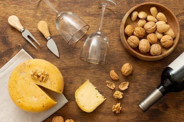 Bovenaanzicht gastronomische snacks op een tafel Gratis Foto