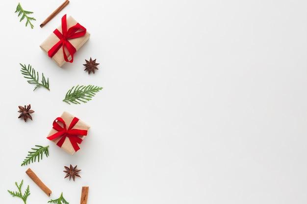 Bovenaanzicht kerst ornament met kopie ruimte Gratis Foto
