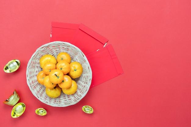 Bovenaanzicht luchtfoto shot van arrangement decoratie chinees nieuwjaar. Premium Foto