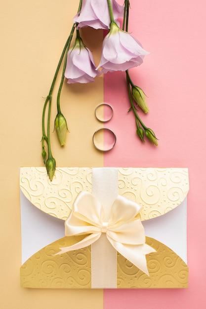 Bovenaanzicht luxe bruiloft briefpapier Gratis Foto