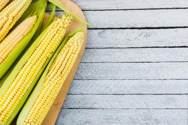 Bovenaanzicht maïs oogst met kopie ruimte Gratis Foto