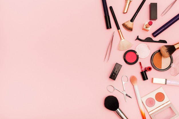 Bovenaanzicht make-up plat leggen Gratis Foto