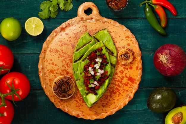 Bovenaanzicht mexicaans eten met ingrediënten bovendien Gratis Foto