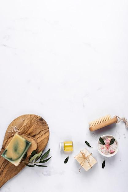 Bovenaanzicht producten voor spa en wellness Gratis Foto