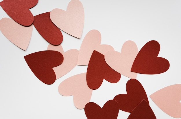 Bovenaanzicht rood en roze hart collectie Gratis Foto