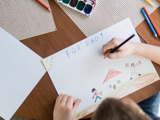 Bovenaanzicht schattig tekenen voor vaderdag Gratis Foto