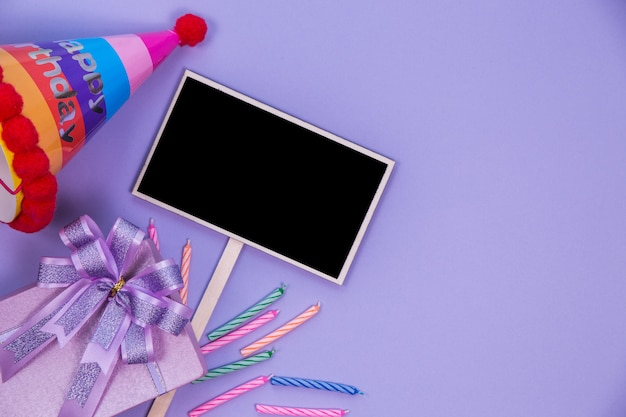 Bovenaanzicht schoolbord en decoratie Gratis Foto