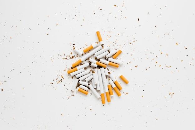 Bovenaanzicht stapel van sigaretten Gratis Foto