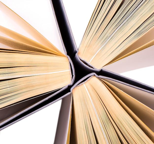 Bovenaanzicht van hardback boeken in een cirkel Premium Foto