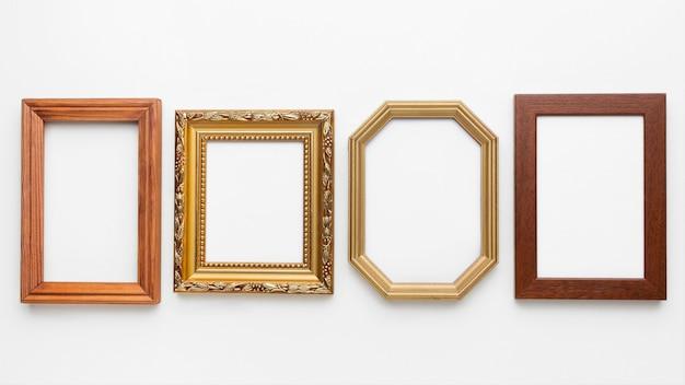 Bovenaanzicht van houten kaders arrangement Gratis Foto