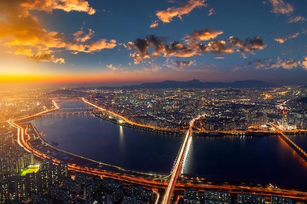 Bovenaanzicht van seoul city skyline Premium Foto