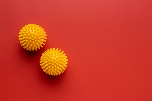 Bovenaanzicht van twee virussen met kopie ruimte Gratis Foto