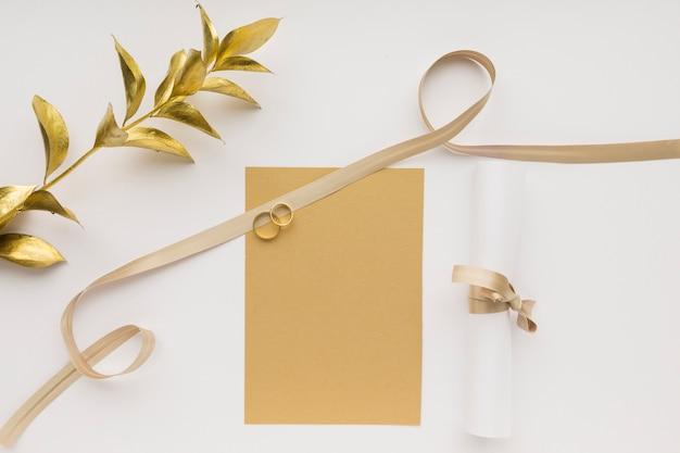 Bovenaanzicht verlovingsringen bruiloft Gratis Foto
