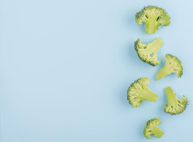 Bovenaanzicht verse broccoli met kopie ruimte Premium Foto