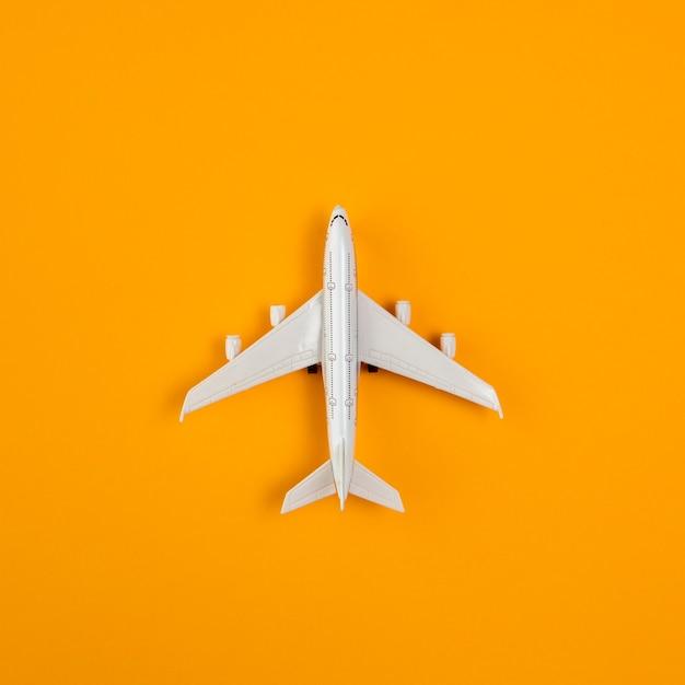 Bovenaanzicht vliegtuig kopie-ruimte Gratis Foto