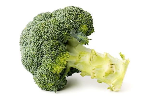 Broccoli op een wit, close-up. geïsoleerd. Premium Foto