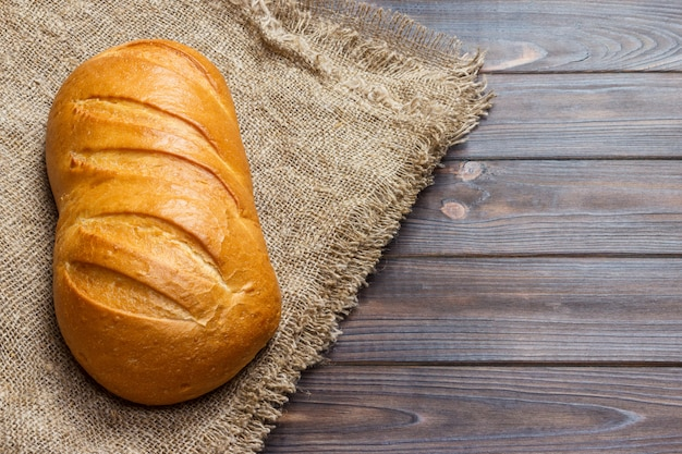 Brood op houten, voedselclose-up Premium Foto
