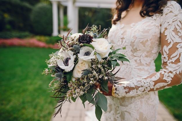 Bruid met mehendi Gratis Foto