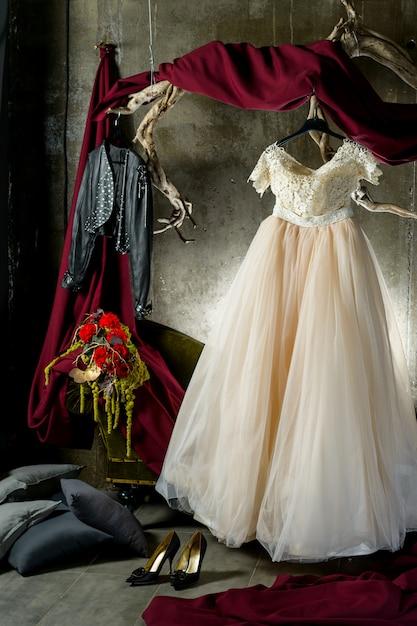 Bruid op een hanger Premium Foto
