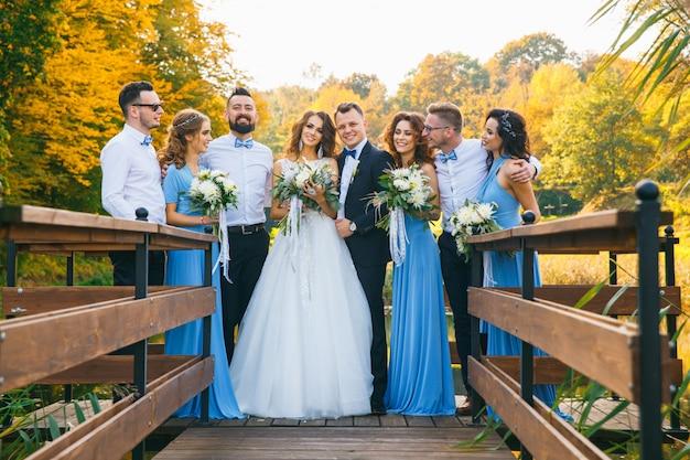 Bruidsmeisjes en bruidsmeisjes Premium Foto