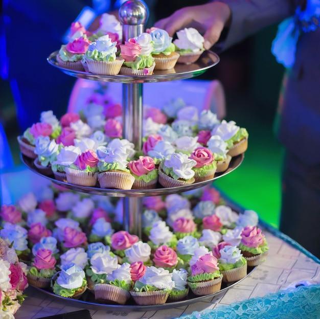 Bruidstaarten, huwelijksceremonie Premium Foto