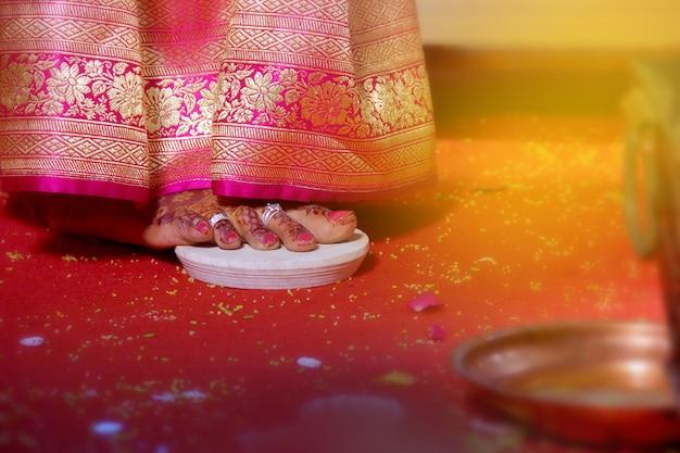 Bruidvoet, indisch huwelijk Premium Foto